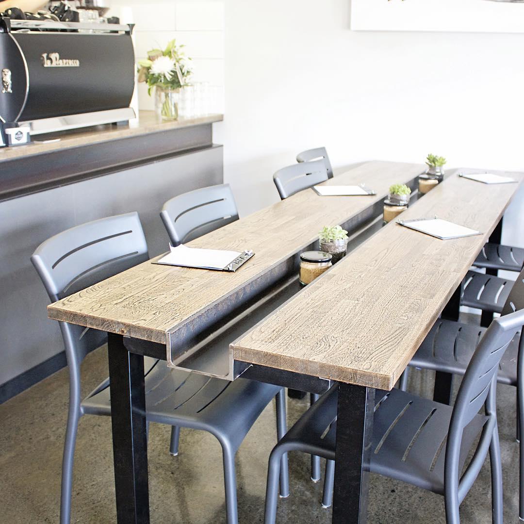 9900 Koleksi Desain Meja Kursi Cafe Unik Gratis Terbaik