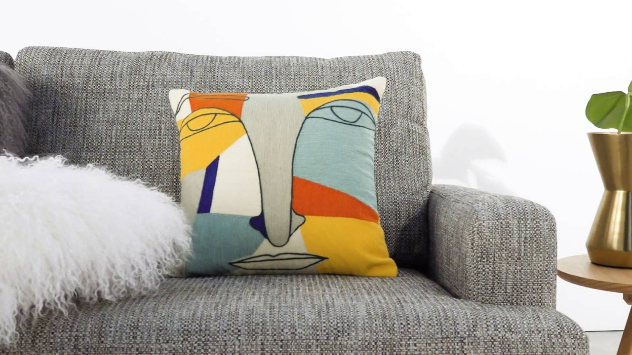 Ragam Sarung Bantal Sofa yang Sederhana dan Cantik!